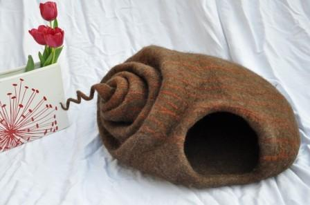 cat cave felted snail