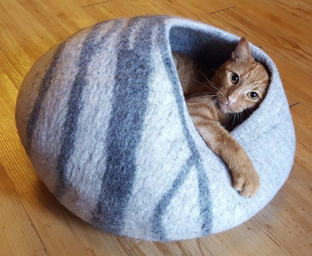 Meowfia Premium Cat Bed Cave cute orange cat